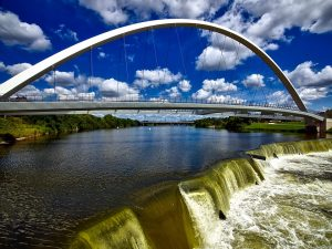 De Moines Iowa Bridge