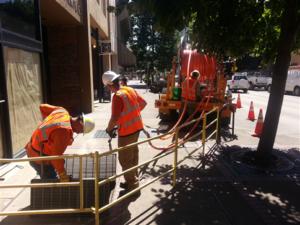 EWEB crews install fiber optic cable in existing conduit