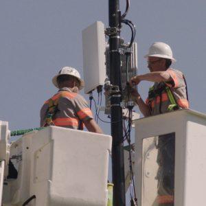verizon 5g tower workers